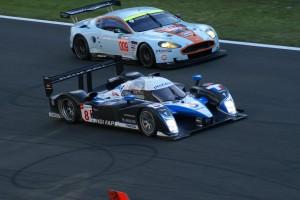 Peugeot et Aston Martin