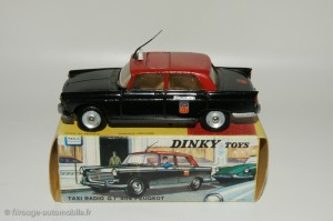 Peugeot 404 taxi - Dinky Toys 1400