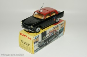 404 Dinky Toys Taxi