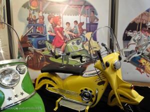 Martine à la foire - la moto jaune