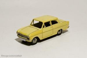 Dinky Toys 106 - Opel Kadett