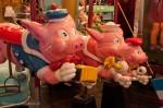 Manège ancien - 3 petits cochons