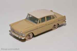 Dinky Toys 554 - Opel Rekord berline