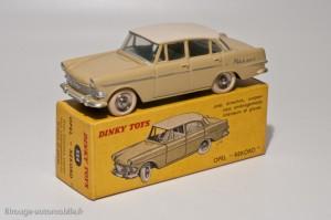 Dinky Toys 554 - Opel Rekord berline 1960