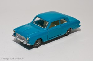 Dinky Toys 538 - Ford Taunus 12M