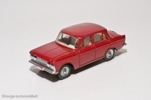 Dinky Toys 1410 - Moskwitch berline 4 portes