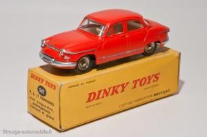 Dinky Toys 547 - Panhard PL17 berline