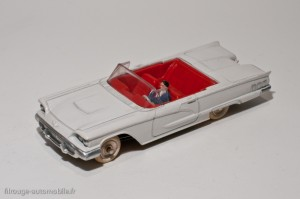 Dinky Toys 555 - Ford Thunderbird convertible