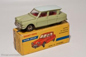 Dinky Toys 557 - Citroën Ami 6 berline