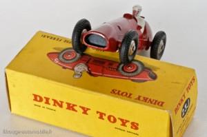 Dinky Toys 23J - Ferrari 500F2 - calandre lisse