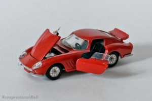 Dinky Toys 506 - Ferrari 275 GTB - parties ouvrantes