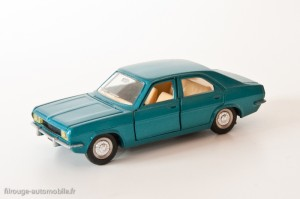 Dinky Toys 1409 - Chrysler 180 berline