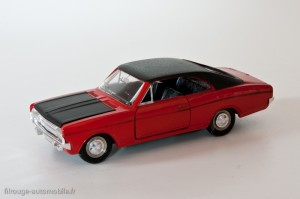 Dinky Toys 1420 - Opel Commodore coupé GS