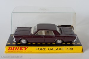 Dinky Toys 1402 - Ford Galaxie Sedan