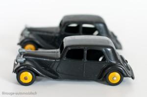 Dinky Toys 24N - Citroën Traction avant 11BL - arrière avec cache roue