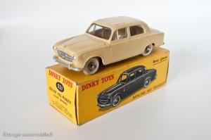 Dinky Toys 521 - Peugeot 403 berline - avec vitres