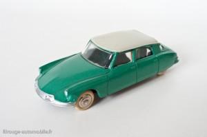 Dinky Toys 24CP - Citroën DS berline avec vitres