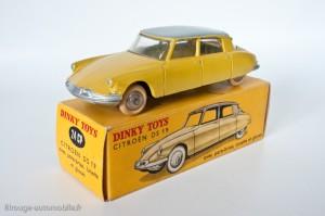 Dinky Toys 24CP - Citroën DS berline - avec vitres