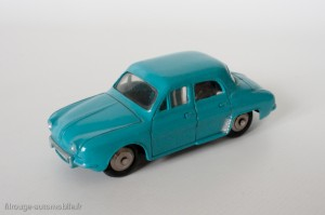 Dinky Toys 24E - Renault Dauphine - avec vitres