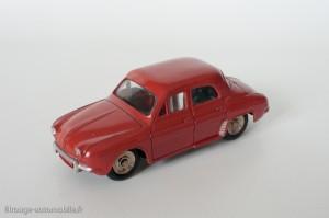 Dinky Toys 524 - Renault Dauphine - avec vitres et roues concaves