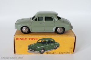 Dinky Toys 24E - Renault Dauphine