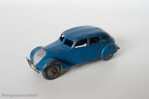 Dinky Toys 24k - Peugeot 402 limousine