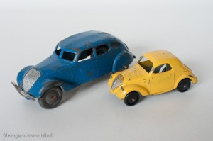 """Dinky Toys 35a - Simca 5 """"plus petite que la Peugeot 402"""""""