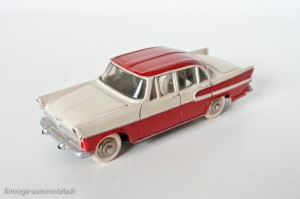 Dinky Toys 24K - Simca Vedette Chambord