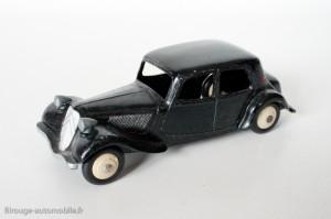 Dinky Toys 24N - Citroën Traction avant 11BL - arrière avec malle