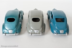 Dinky Toys 24R - Peugeot 203 berline - différences de lunette arrière de bouchons sur l'aile