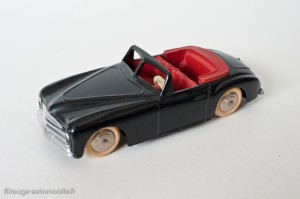 Dinky Toys 24S - Simca 8 Sport - pare-brise épais