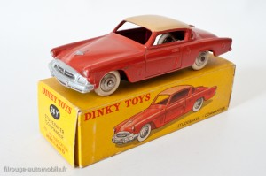 Dinky Toys 24Y - Studebaker Commander coupé