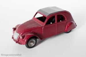 Dinky Toys 24T - Citroën 2CV - trois feux arrières - roues concaves