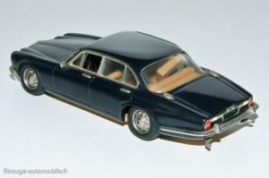 Jaguar XJ12L - AMR - (siege décollé à replacer)