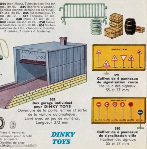 Catalogue Dinky Toys - barrières Vauban et panneaux de signalisation