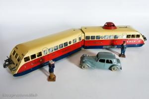Autorail Bugatti - Série Hornby - Ecartement O, avec Dinky Toys au 1/43ème