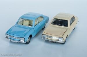 Dinky Toys 1415 - Peugeot 504 berline - modèle fabriqué en Espagne à droite, en France à gauche