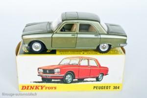 Dinky Toys 1428 - Peugeot 304 berline - modèle fabriqué en Espagne
