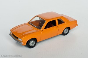Dinky Toys 1543 - Opel Ascona - modèle fabriqué en Espagne