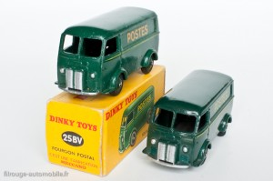 "Dinky Toys 25BV - Peugeot D3A ""Postes"""