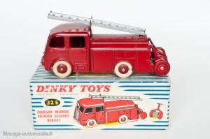 Dinky Toys 32E - Berliet pompier premier secours