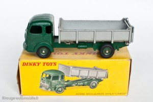 Dinky Toys 578 - Simca Cargo benne basculante - roues concaves