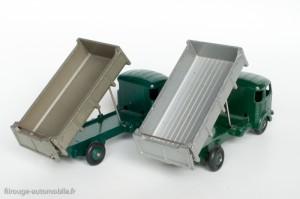Dinky Toys 33B - Simca Cargo benne basculante - benne lisse, gris or et benne striée, gris clair