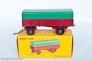 Dinky Toys 810 - Remorque bâchée 4 roues - roues concaves