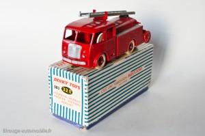 Dinky Toys 583 - Berliet pompier premier secours - roues concaves