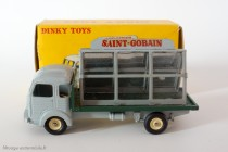 "Dinky Toys 33C - Simca Cargo miroitier ""St Gobain"" - roues concaves, boite double numérotation"
