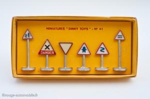 Dinky Toys réf. 41 - Panneaux route