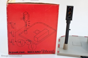 Dinky Toys 594 - Feux lumineux