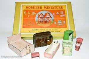 Dinky Toys 103 - Coffret mobiler miniature avec exemple de mobilier et accessoires