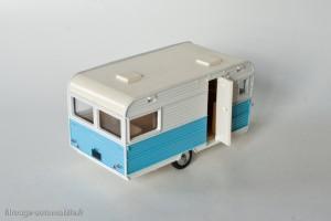 Dinky Toys 564 - Caravane Caravelair Armagnac 420
